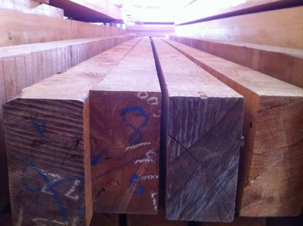 店舗付きカーポート用の材木を見に行く